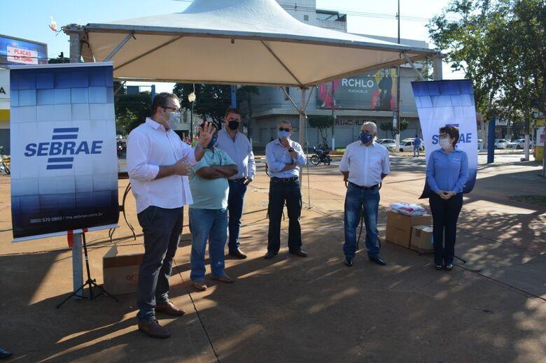 Alan Guedes acompanha ação 'Eu Fui Orientado' do Sebrae/MS -