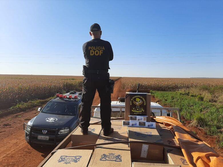 Caminhão carregado com 10 mil pacotes de cigarros contrabandeados é apreendido em Dourados - Crédito: Divulgação