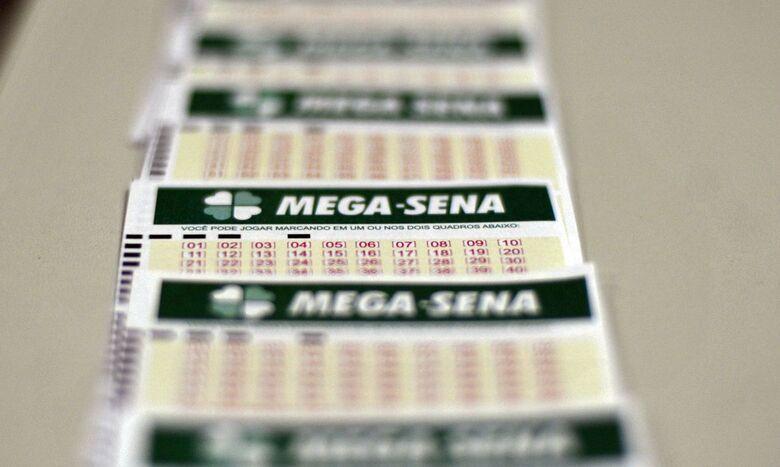 Mega-Sena sorteia nesta terça-feira prêmio de R$ 11 milhões - Crédito: Marcello Casal Jr./Agência Brasil