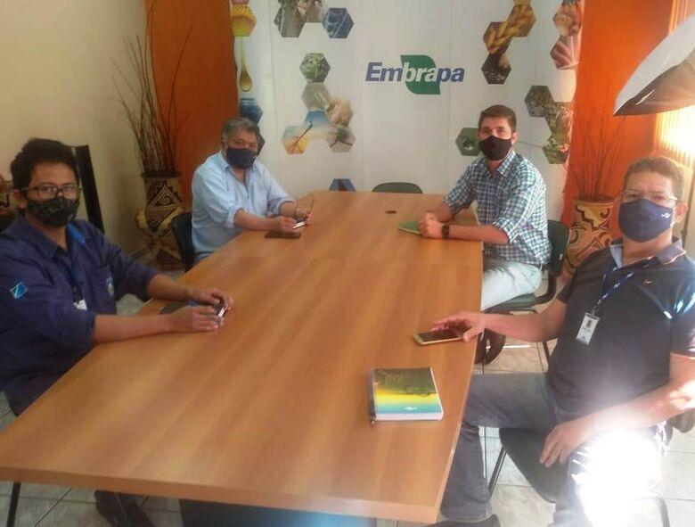 Secretário de Agricultura Familiar discute as ações da Tecnofam 2021 com diretores da Embrapa -