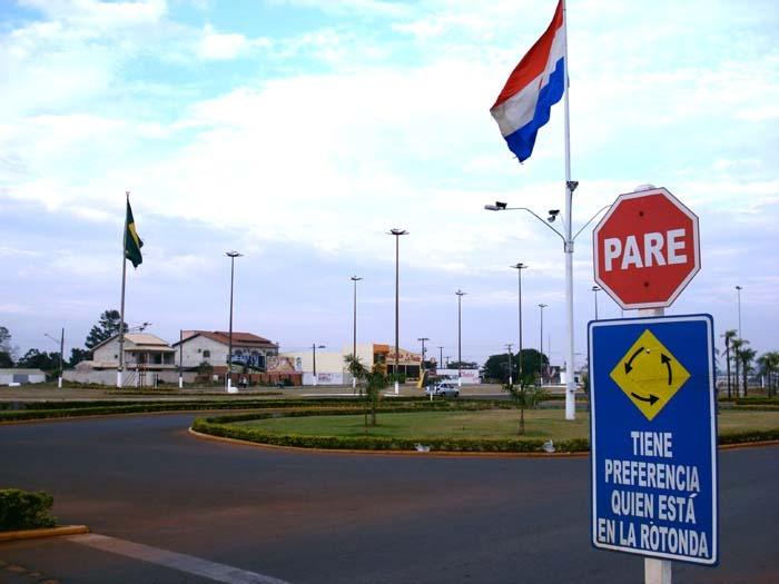 Brasil e Paraguai assinam acordo para reativar comércio de fronteira -
