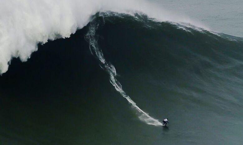 Maya Gabeira quebra recorde de maior onda já surfada por uma mulher - Crédito: WSL/Pedro Miranda