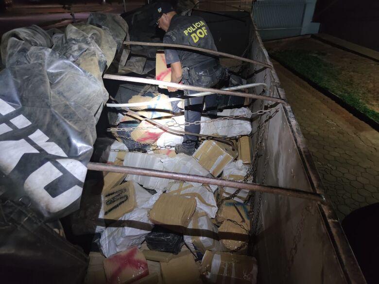 Carreta que seguia para o RS com mais de três toneladas de maconha foi apreendida pelo DOF -