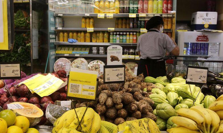 Inflação de famílias pobres é três vezes maior do que dos mais ricos - Crédito: Tânia Rêgo/Agência Brasil