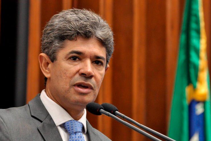 O deputado estadual Professor Rinaldo é o autor da nova lei - Crédito: Luciana Nassar/Arquivo