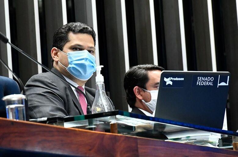 Decisão sobre retorno de comissões permanentes será em novembro, diz Davi -