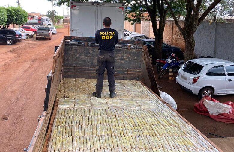 Polícia apreende carreta com 1,8 tonelada de drogas -