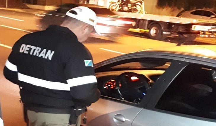Em nove meses, mais de 8 mil são flagrados dirigindo sem habilitação no Estado - Crédito: Divulgação