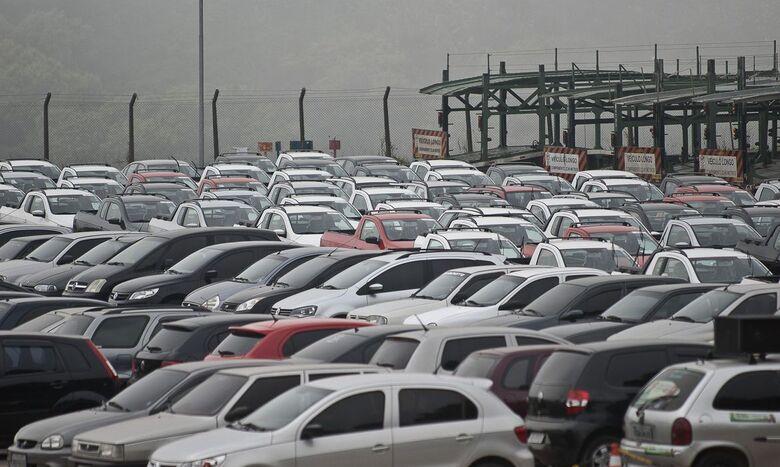 Emplacamentos de veículos crescem em setembro, diz Fenabrave - Crédito: Marcelo Camargo