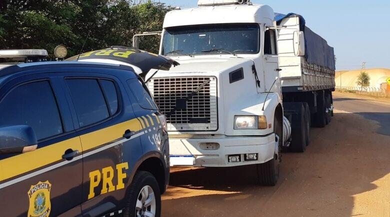Motorista receberia R$ 30 mil pelo transporte do entorpecente - Crédito: foto: divulgação/PRF