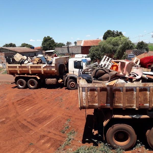 Ação sábado sem mosquito, semana passada, no bairros Guaicurus retirou 37 toneladas de entulho -