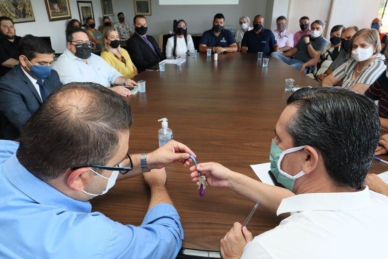 Equipes iniciam transição de mandato na prefeitura de Dourados - Crédito: A. Frota
