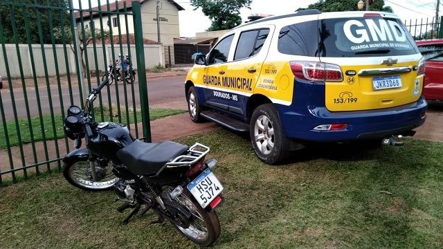 Jovem é preso com moto furtada em Dourados - Crédito: Divulgação/GMD