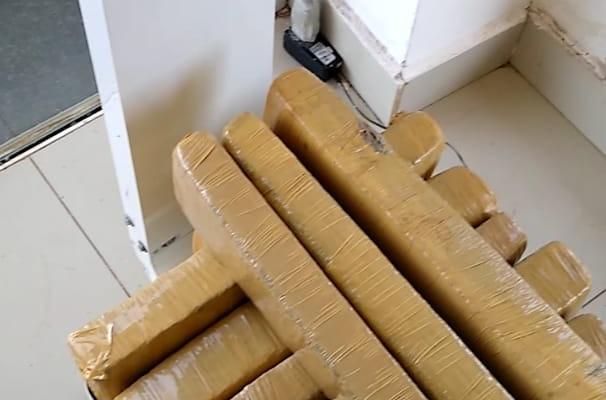 Homem é preso com 22kg de maconha na Rodoviária de Dourados - Crédito: Divulgação