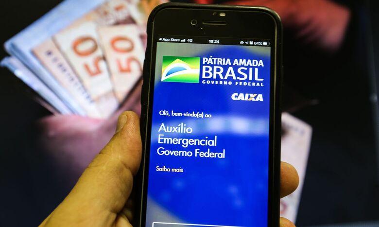 Auxílio emergencial é creditado para nascidos em dezembro - Crédito: Marcello Casal Jr./Agência Brasil