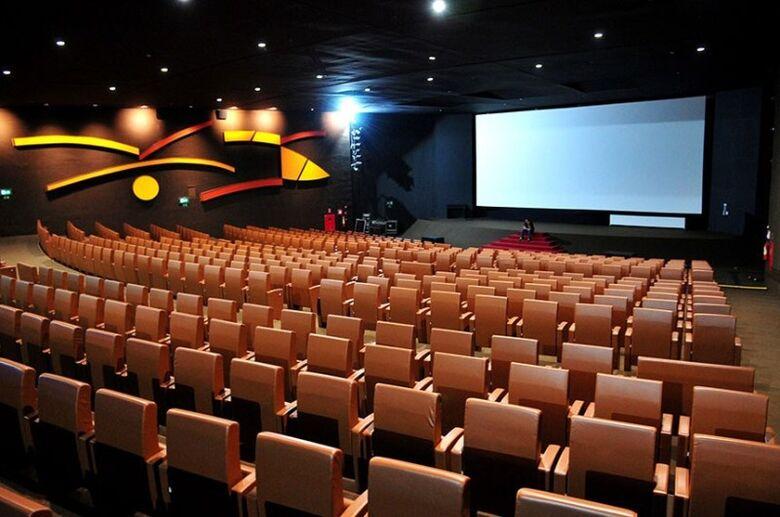 A proposta determina a inclusão de legendagem descritiva em filmes exibidos nas salas de cinema - Crédito: Hmenon Oliveira   Fonte: Agência Senado
