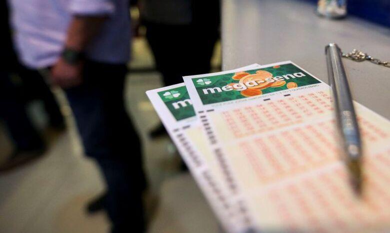 Mega-Sena pode pagar R$ 3 milhões neste sábado -