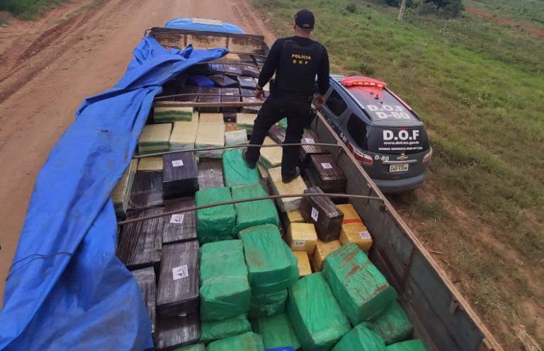 Caminhão é apreendido com mais de 8 toneladas de maconha -