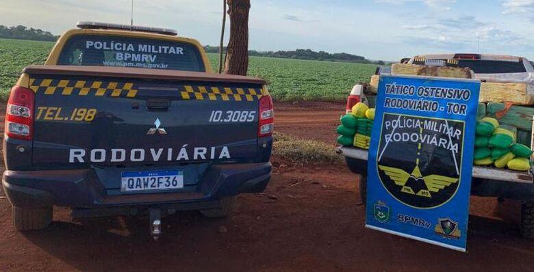 O veículo estava com placas falsas - Crédito: Divulgação/PMR