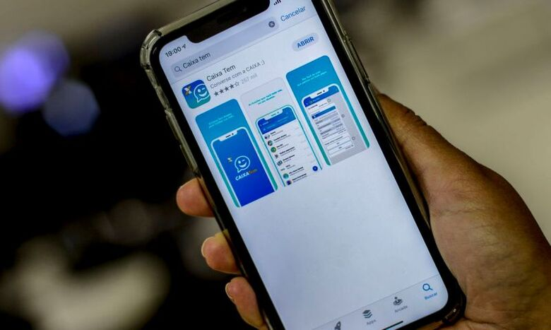 Caixa começa a pagar hoje abono do PIS em poupança digital - Crédito: Marcello Casal jr/Agência Brasil