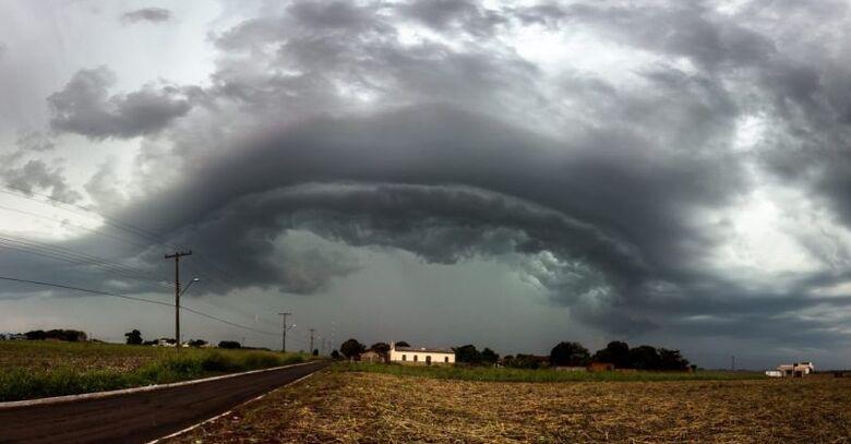 Inmet alerta para tempestade com ventos de até 100 km/h em todo o Estado - Crédito: Foto: Geone Bernardo/Cemtec